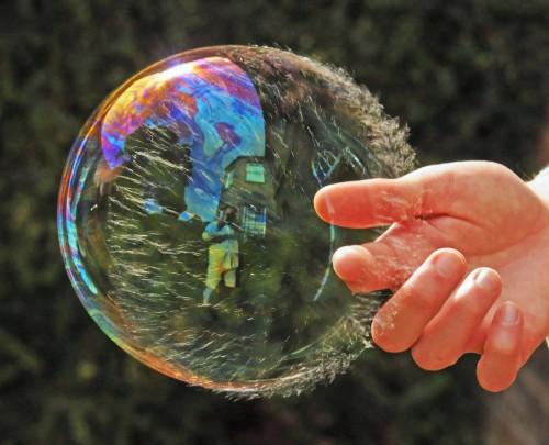 Картинка разрушения мыльного пузыря