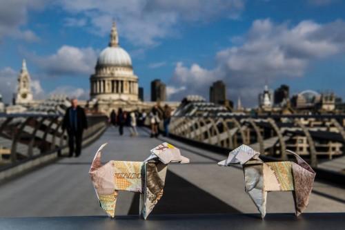 Собаки оригами - креативная компания от страховщиков