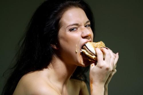 Привычка закусывать плохое настроение взята из детства