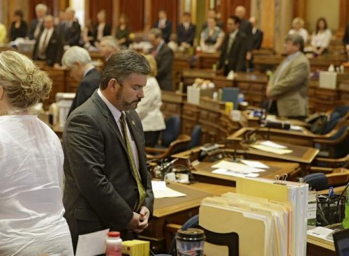 Церемония изгнания бесов из законодателей