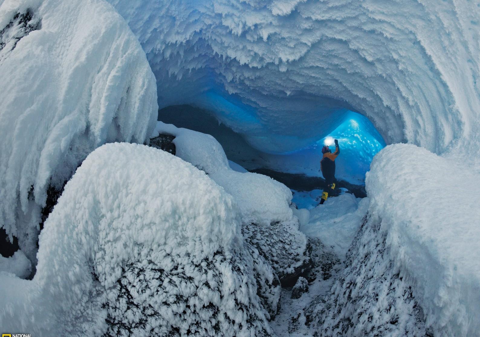 Красивые подземные ходы вулкана Эребус