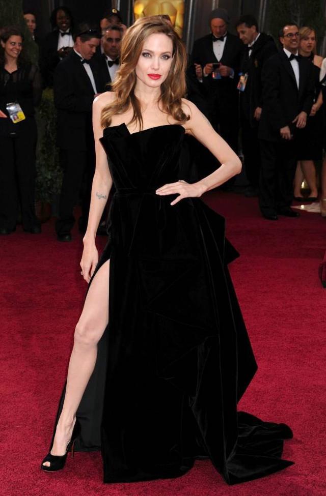 Angelina Jolie's не привыкать быть в красивой десятке