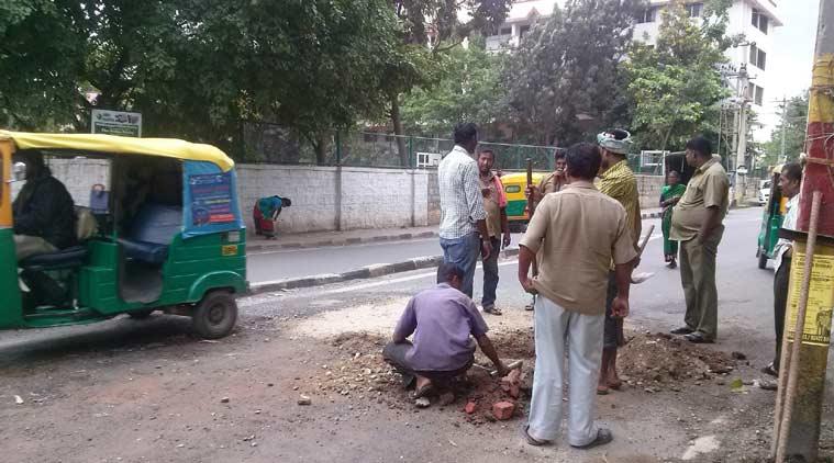 ремонт дороги в Индии