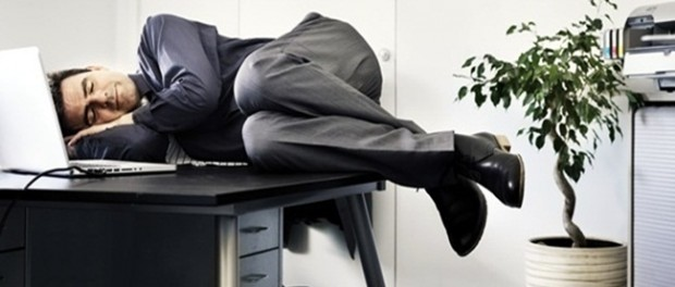 Спать на работе — полезно
