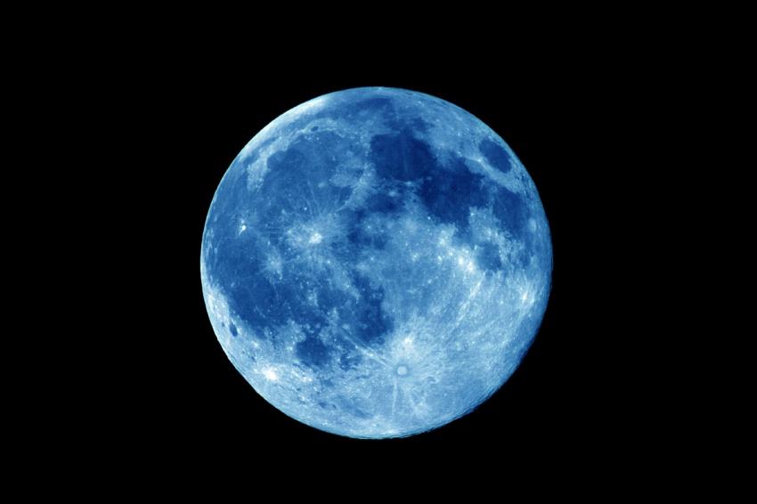 Сегодня увидят «голубую Луну»