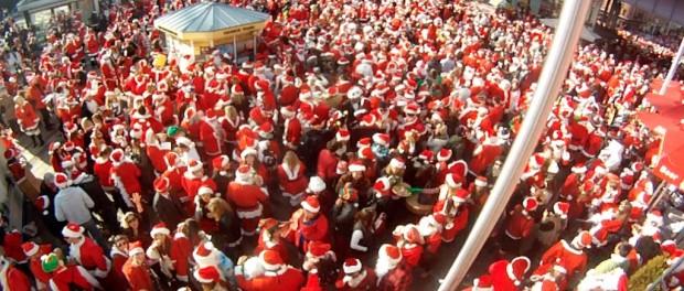 Копенгаген заполонили Санта-Клаусы