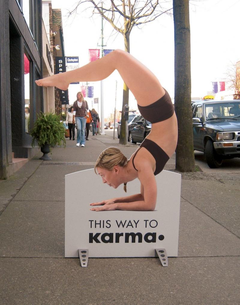 Простой но оригинальный указатель школы йоги
