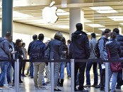 в очереди за iPhone 6s