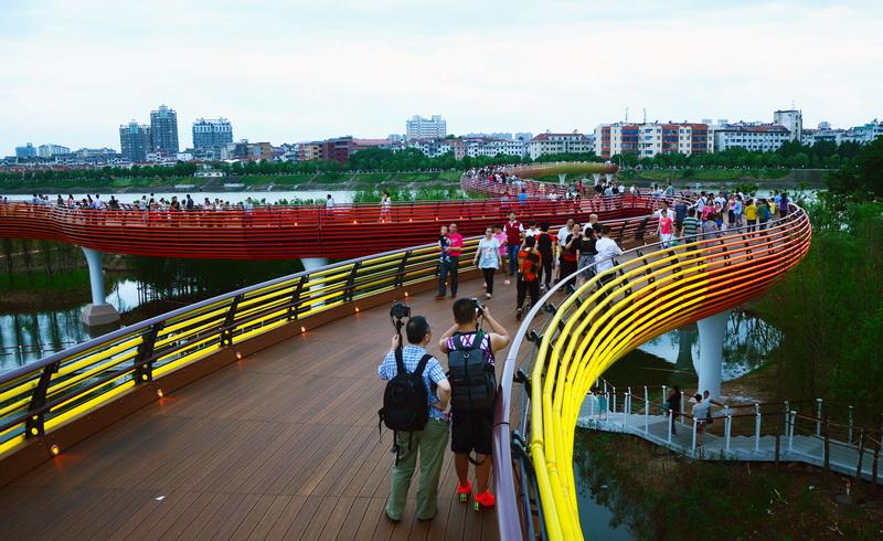 Yanweizhou Park в китайском городе Цзиньхуа