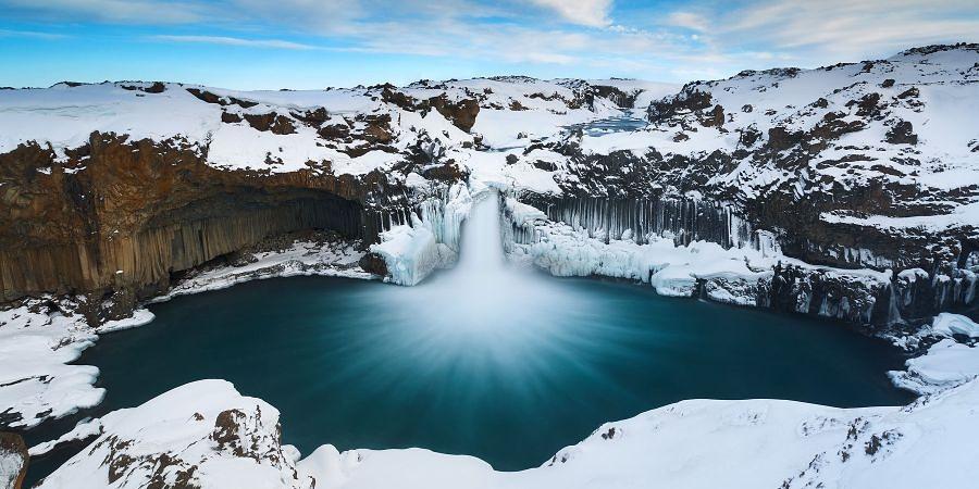 снежно - зима в Исландии