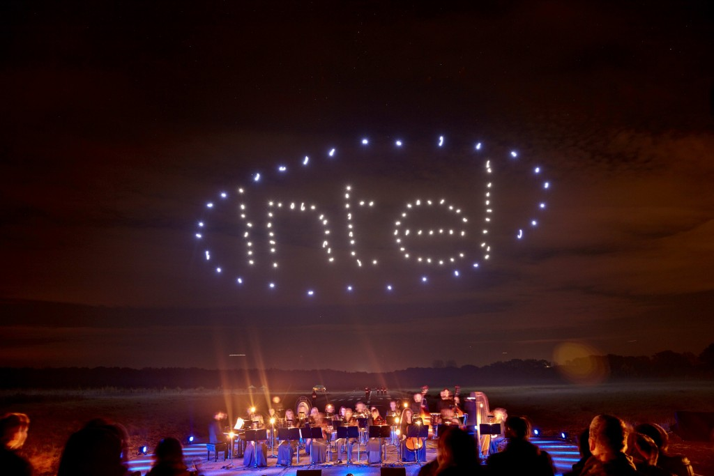 Intel-Drone-100-Light-Show2