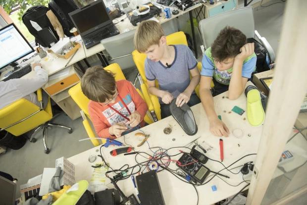 молодая команда генераторов необычной идеи