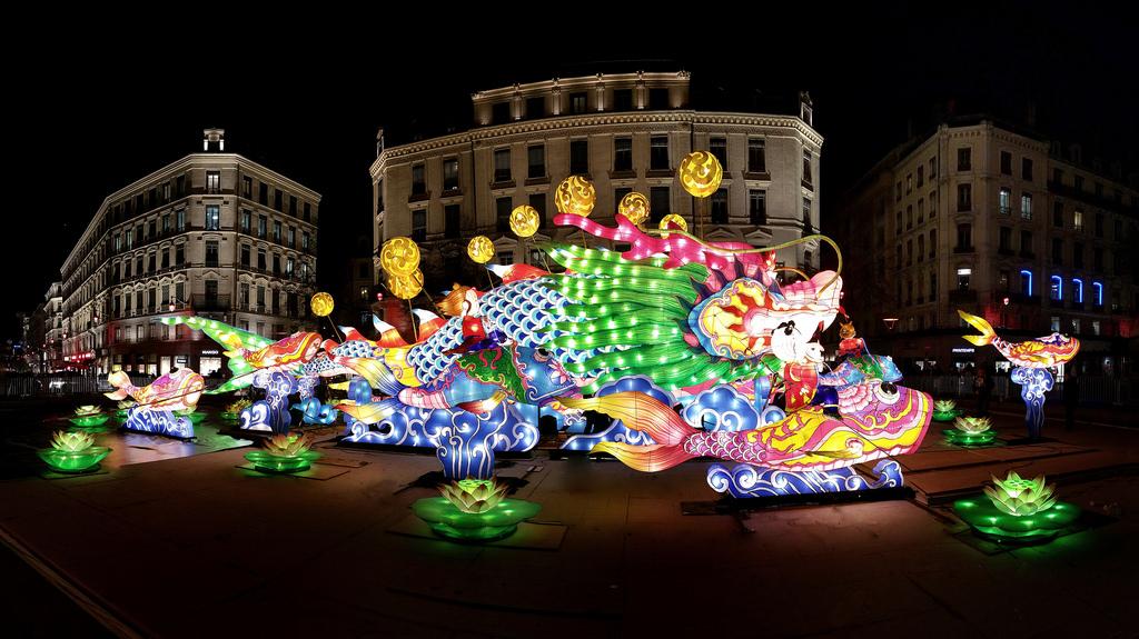 красиво на празднике света в Лионе