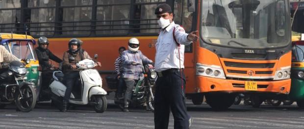 Индийские гаишники будут патриотично перевоспитывать нарушителей