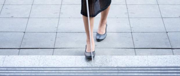 Социальная необщительность сделала на 30 лет слепой испанку
