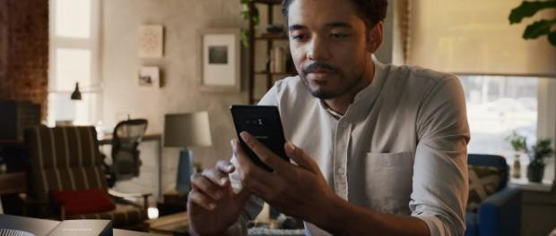 Samsung троллит iPhone