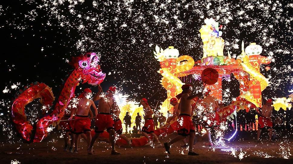 С новым годом вас, китайцы!