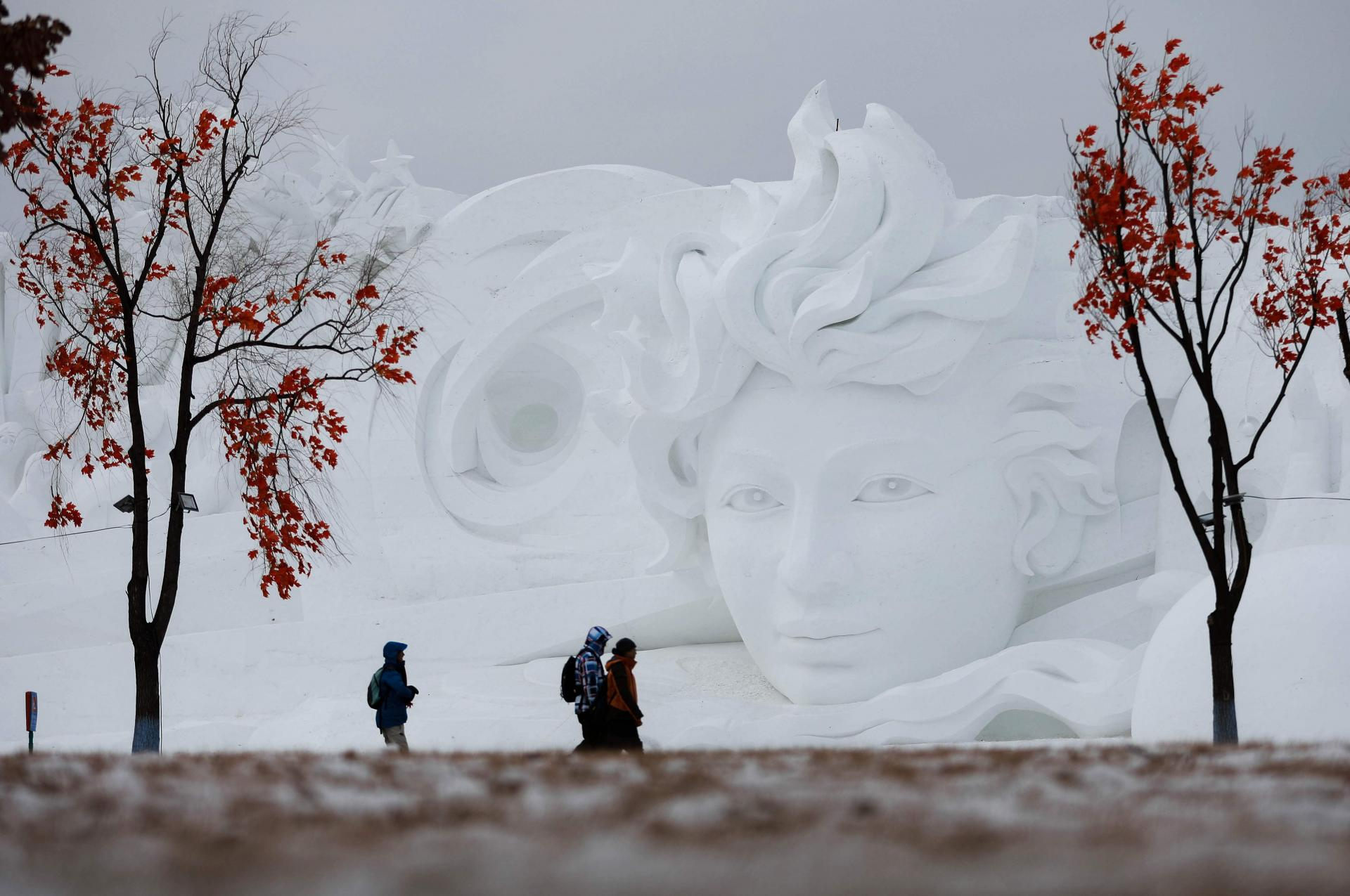 В китайском Харбине началась выставка ледяных скульптур