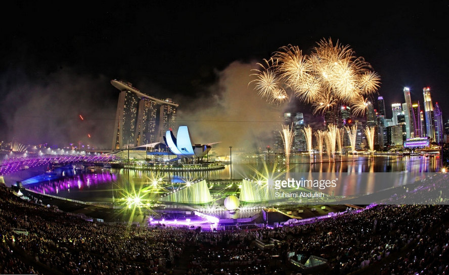 Продолжение иллюминации в Сингапуре