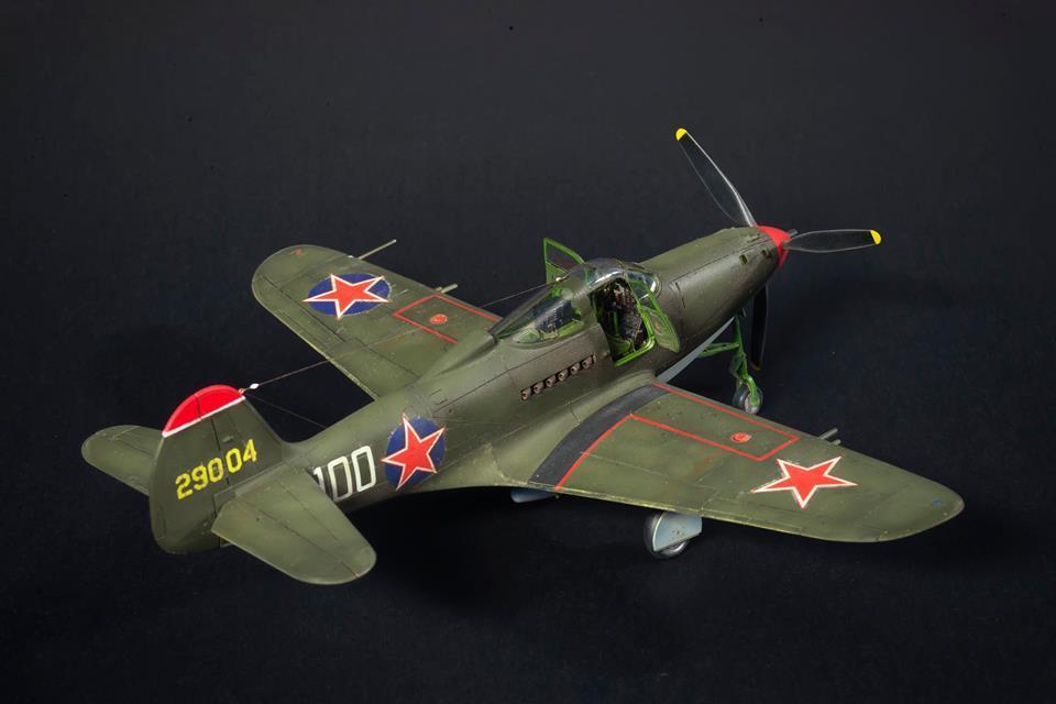 собранная мини копия американского самолета