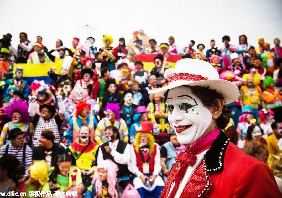 парад клоунов в Мехико