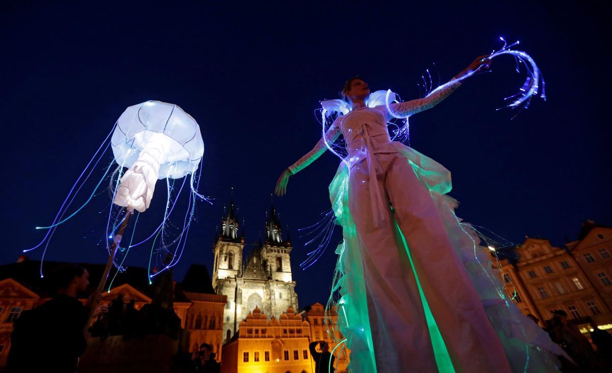 В Праге прошел фестиваль уличных театров