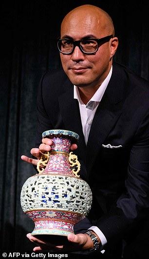 Qing dynasty vase1
