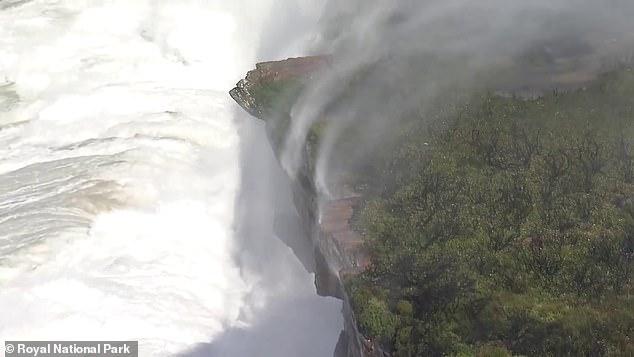 водопад вверх