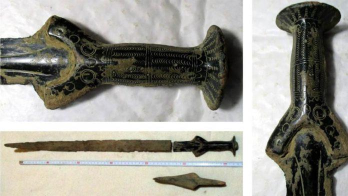 пошел по грибы, а нашел оружие бронзового века