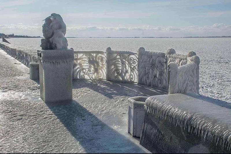 Морозы сковали Азовское море