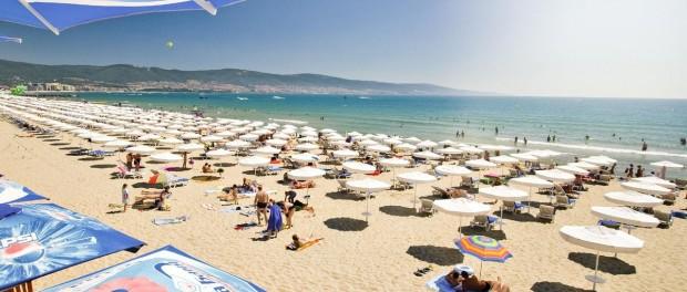 Британцы советуют за недорогим пляжным отдыхом ехать в Болгарию и Португалию
