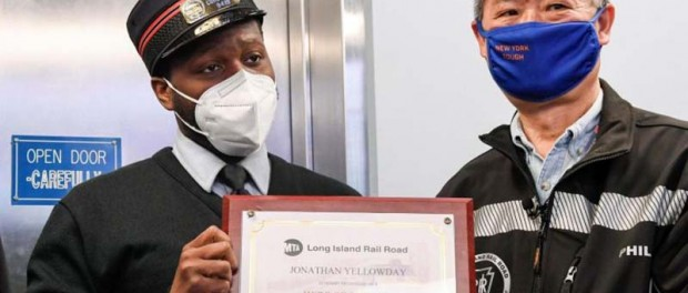LIRR conductor returns $107K worth of engagement rings2